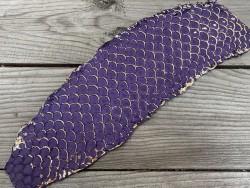 cuir de tilapia vente peau écailles dorées et couleur mauve violet Cuirenstock