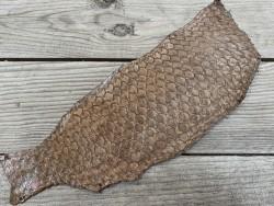 Peau de cuir de poisson tilapia brun tabac satiné Cuirenstock