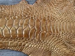 Grain de peau patte de coq poulet fauve nacré bijoux accessoire exotique luxe Cuir en stock