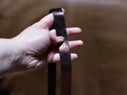 Bande lanière de cuir double croupon couleur bordeaux métallisé - Cuirenstock