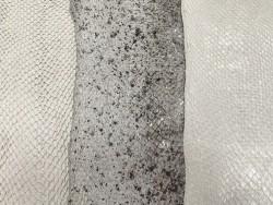 Lot de 3 peaux de cuir de poisson saumon nuances blanc gris mat satiné nacré métallisé Cuir en stock