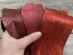 Lot de 3 peaux de cuir de poisson saumon camaïeu de rouge orange bordeaux mat satiné nacré métallisé Cuir en stock