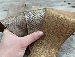 Lot de peaux de cuir de poisson saumon camaïeu de beige taupe brun mat satiné nacré métallisé bijoux cuirenstock