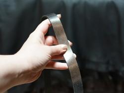 Bande lanière de cuir argent métallisé craquelé - Double Croupon - Cuir en Stock