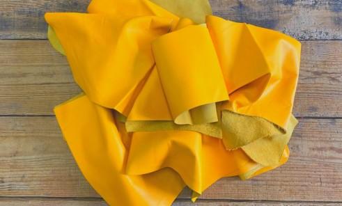 Chutes de cuir vendu au poids veau jaune morceau Cuir en Stock