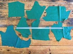 Morceaux peau cuir veau vente au détail en gros vert cuirenstock