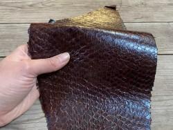 Peau de cuir de poisson - Perche du Nil - Marron rouge - exotique - luxe - bijoux - accessoire - Cuir en stock
