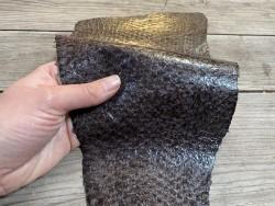 Peau de cuir de poisson - Perche du Nil - Brun foncé - bijoux accessoire maroquinerie - Cuir en stock