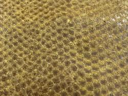 Détail écailles peau de cuir poisson - Perche du Nil - jaune ocre - maroquinerie bijoux Cuir en Stock