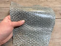 Peau de cuir de poisson - Perche du Nil - Vert d'eau - bijoux maroquinerie - luxe exotique Cuir en stock