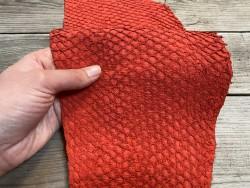 Peau cuir de poisson - Perche du Nil - rouge mat - bijoux maroquinerie - luxe exotique - Cuir en stock