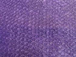 Détail écailles - cuir de poisson - Perche du Nil - Violet mat - Cuir en Stock