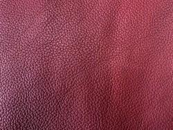 Cuir de taurillon grain togo bordeaux maroquinerie de luxe française cuir en Stock