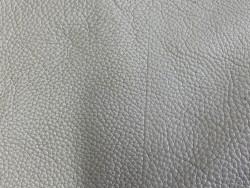 Cuir de taurillon grain togo taupe maroquinerie de luxe Cuir en stock