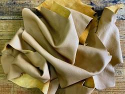 Chutes de cuir de vache sable beige - maroquinerie - Cuir en Stock