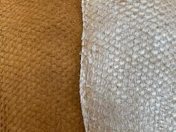 Détail écailles - cuir de poisson - exotique - Perche du Nil - lot de peaux - beige brun - Cuir en stock