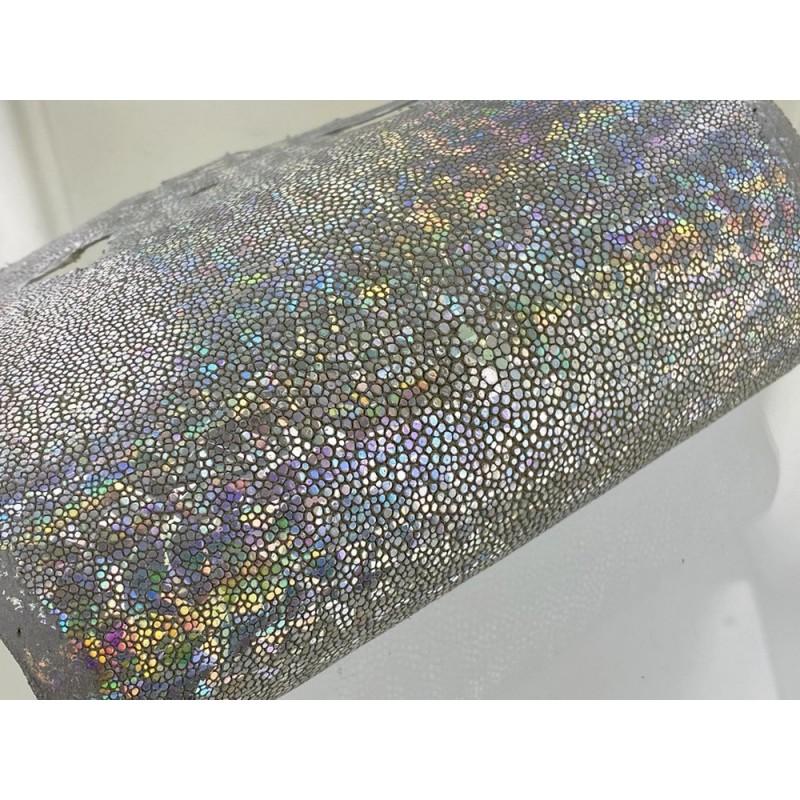 Peau de galuchat - argent multi couleurs - reflets colorés - luxe - exotique - Cuir en Stock