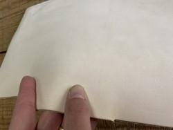 Détail chutes de cuir de vache végétal nubuck naturel - vendu au poids - Cuirenstock