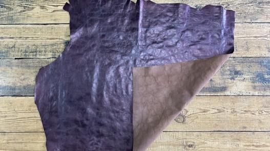 Recto verso grand morceau de cuir de vachette métallisé prune - maroquinerie - cuir en stock