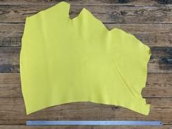 Grand morceau de cuir de vachette jaune - maroquinerie - ameublement - Cuir en Stock