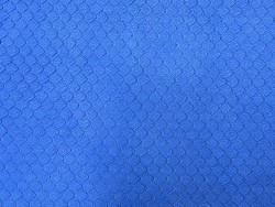 Cuir de veau grain façon serpent bleu cyan - maroquinerie - cuir en stock
