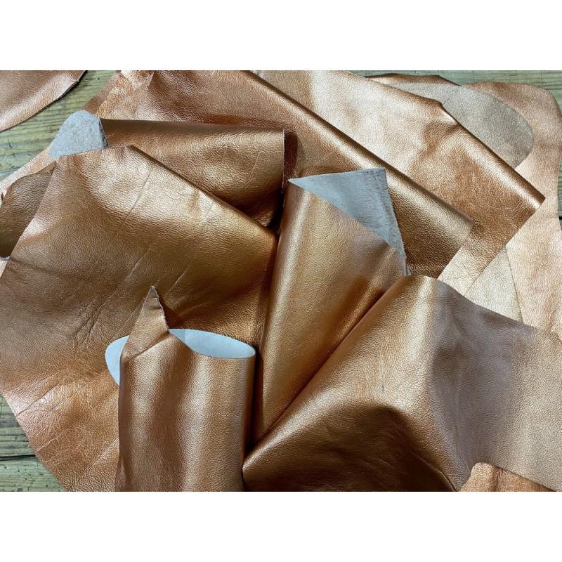 Chutes de cuir de veau métallisé cuivre - maroquinerie - Cuir en Stock