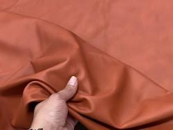 Détail grain - cuir de vache ameublement ou sellerie automobile - orange brique - fin de série - Cuir en Stock