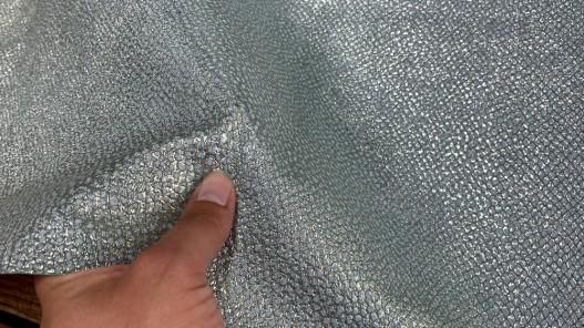 Détail peau cuir grain façon serpent vert d'eau pailleté argent - maroquinerie - Cuir en stock