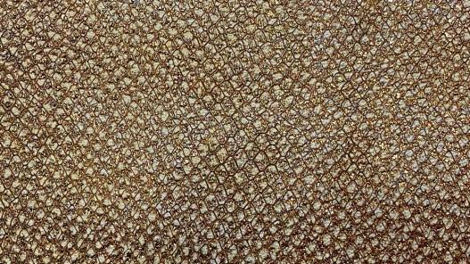 Détail peau cuir grain façon serpent brun pailleté bronze - maroquinerie - Cuir en Stock