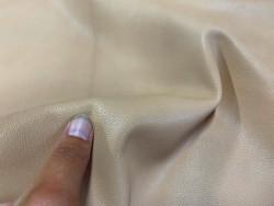 Détail peau de cuir de chèvre rose pastel - maroquinerie - Cuir en stock