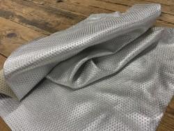 Souplesse peau de cuir de veau effet clouté métallisé argent - maroquinerie - Cuirenstock