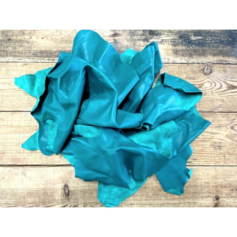 Chutes de cuir de veau lisse vert émeraude - maroquinerie - Cuir en Stock