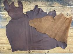 Recto verso peau de cuir de vachette - cuir gras marron - pullup ciré - maroquinerie - cuir en stock