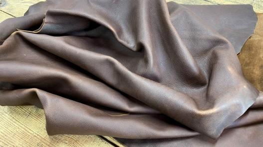 Souplesse peau de cuir de vachette - cuir gras marron - pullup ciré - maroquinerie - Cuirenstock