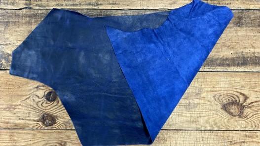 Recto verso morceau de cuir de veau pullup bleu marine nuancé - cuir gras - maroquinerie - cuir en stock