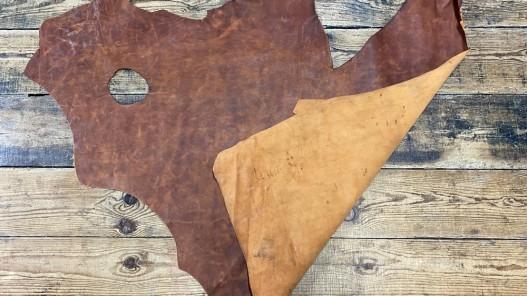 Recto verso morceau de cuir de vachette - effet pullup - brun terra cotta nuancé - maroquinerie ameublement - cuir en stock