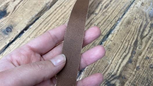 Envers bande de cuir brun - Cuir en Stock