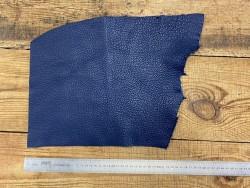 Grand morceau de cuir de taurillon togo bleu foncé travail du cuir main Cuir en stock
