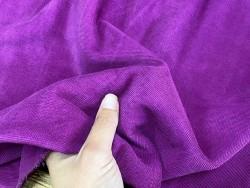 Détail peau de veau velours grainé fuschia - maroquinerie - ameublement - Cuir en stock