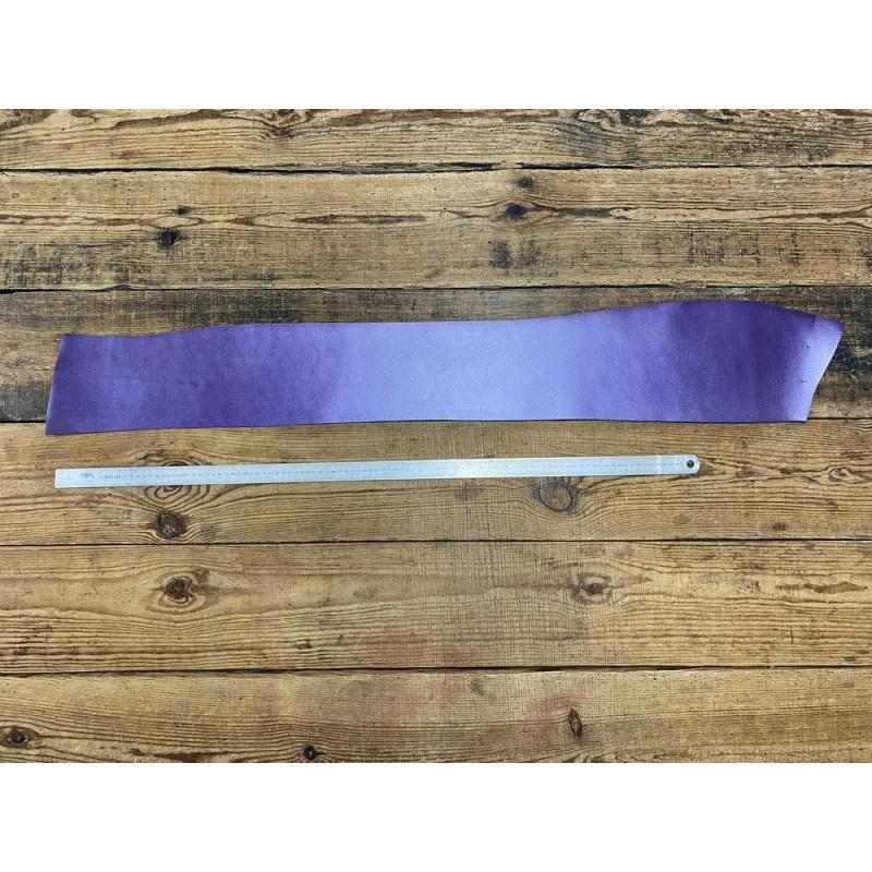 Bande de collet de vache végétal violet nacré - cuir à ceinture - Cuir en Stock