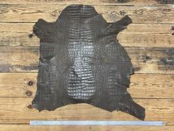 Peau de cuir de mouton imprimé façon caïman vert kaki maroquinerie Cuir en stock