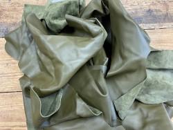 Chutes de cuir de veau lisse vert kaki - maroquinerie - Cuir en Stock