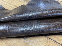 Cuir de veau façon crocodile marron - maroquinerie - Cuirenstock
