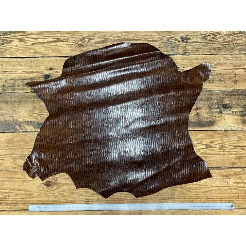 Peau de cuir de veau façon crocodile marron - maroquinerie - Cuir en Stock