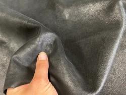 détail peau de cuir de chèvre nubuck ciré noir - maroquinerie - Cuir en stock