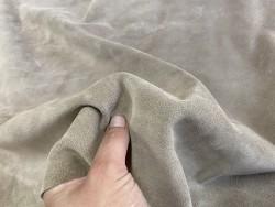 Détail peau de veau velours beige sable - maroquinerie, vêtement - Cuir en stock