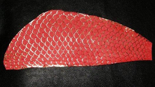 cuir de tilapia écailles dorées et couleur rouge Cuirenstock