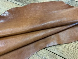 Peau de cuir de buffle brun cognac - maroquinerie - Cuirenstock