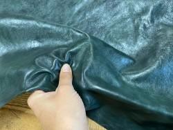 Détail peau de cuir de buffle vert forêt - maroquinerie - Cuir en stock