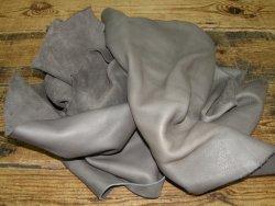 Chutes de cuir de vache gris cendre